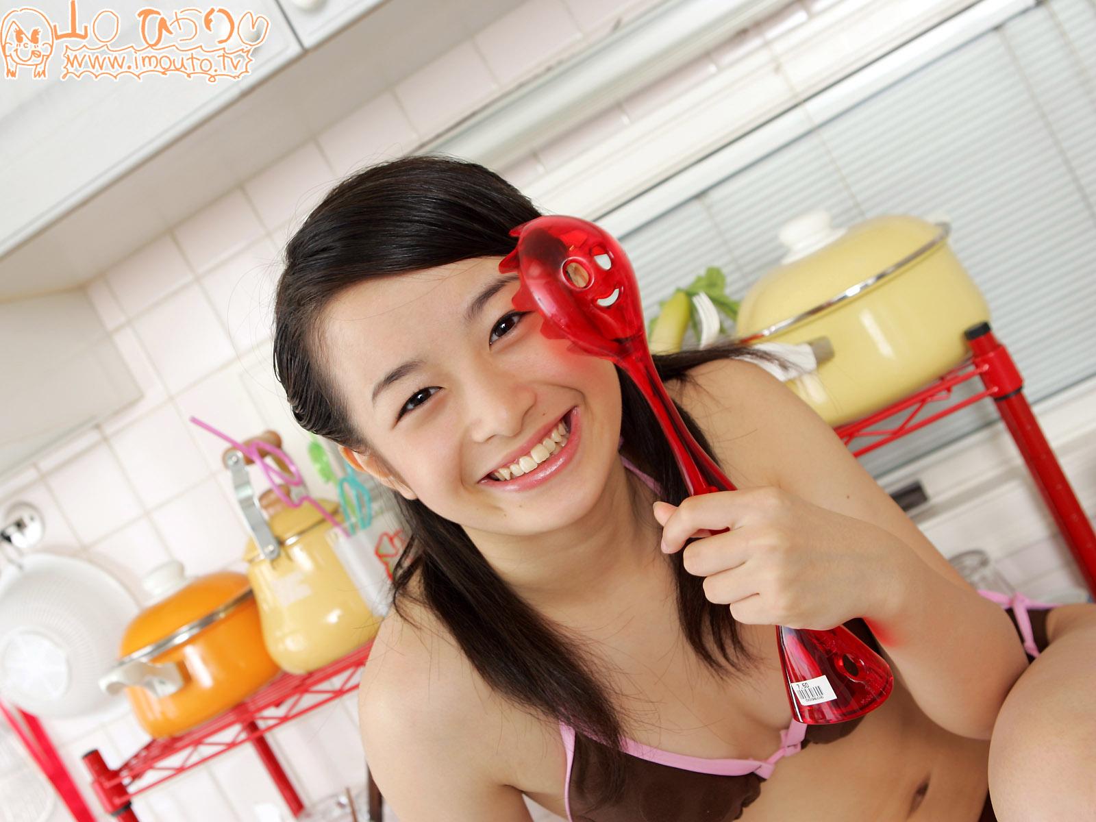 Japanese junior high schoolgirl idol photo book 13 years old