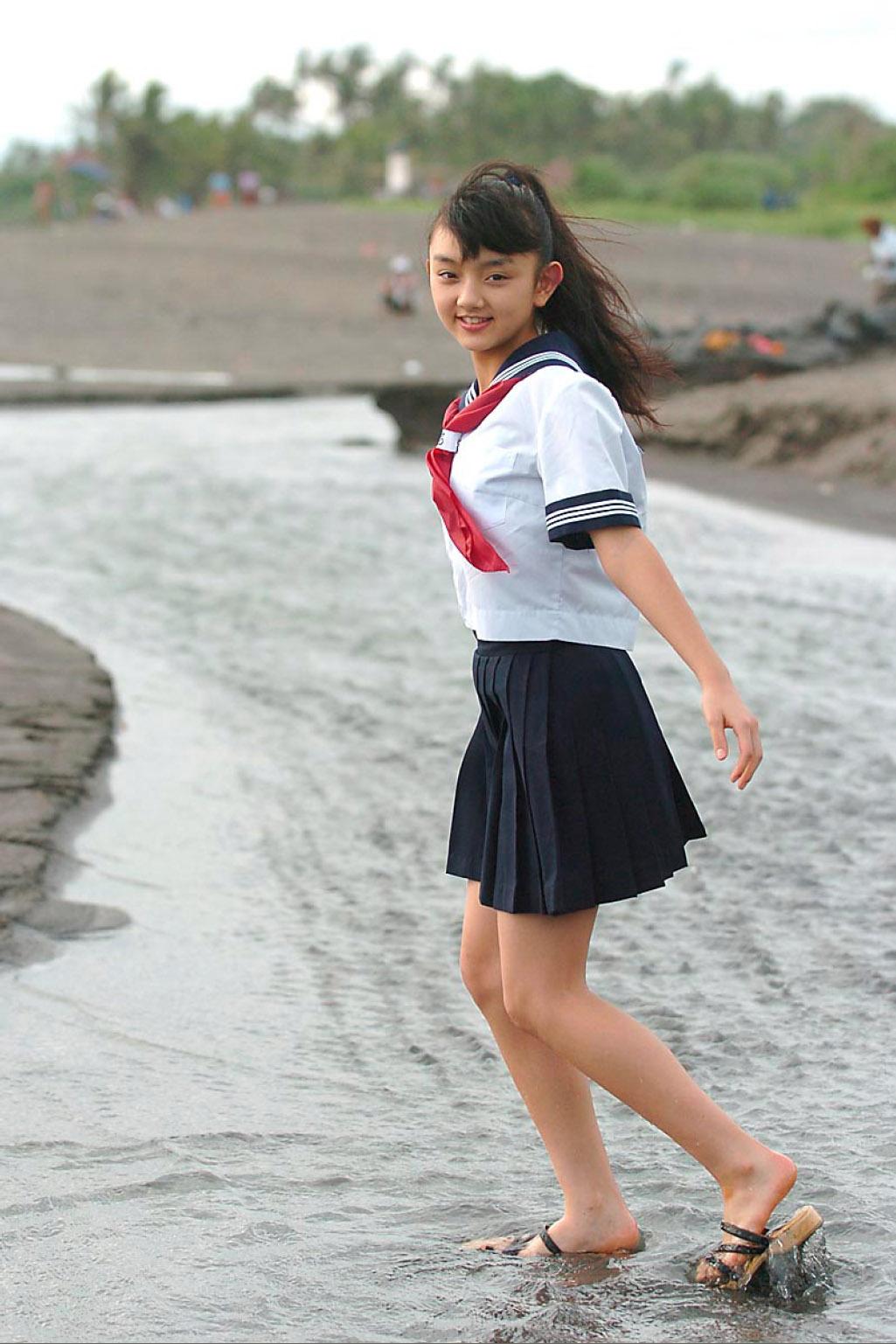 Azusa Hibino (日美野梓)